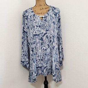 🆕️COCOMO•Denim blue paisley print top•NWOT